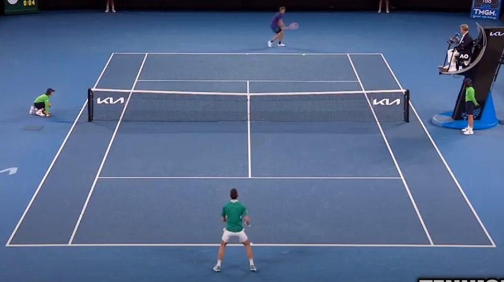 Djokovic vence a Taylor Fritz a pesar de su lesión